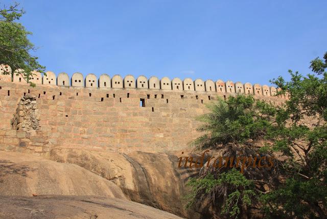 Thirumayam fort karaikudi fort wall exterior