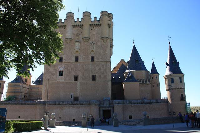 Alcazar-of-Segovia-ndranipics