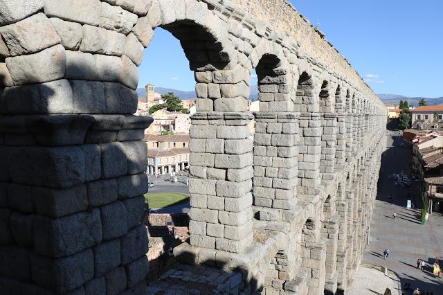 aqueduct-segovia-indranipics-3