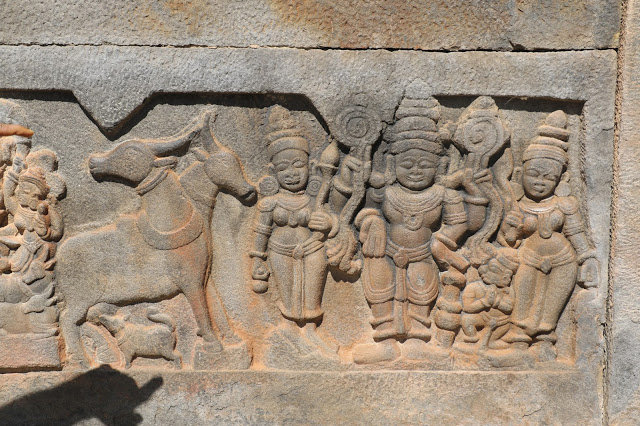 sculpted-works-on-the-walls-banavasi-temple