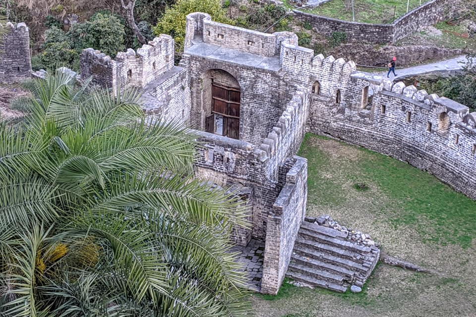 Exploring Kangra Fort - Story of its Existence from Ancient Times - i Share
